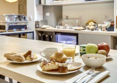Hotel CourSeine - Petit-dejeuner